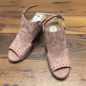 New pink mules. Size 8.5.